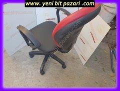 kirmizi siyah kaliteli bilgisayar koltugu doner koltuk sandalyesi ofis koltugu sekreter sorun yok sorunsuz calisiyor yirtik yok
