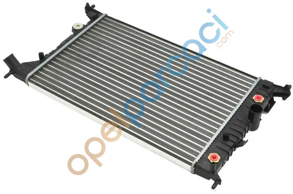 Opel Vectra B Su Radyatörü 1.6 - 1.8 - 2.0 Klimasız Benzinli Araçlar