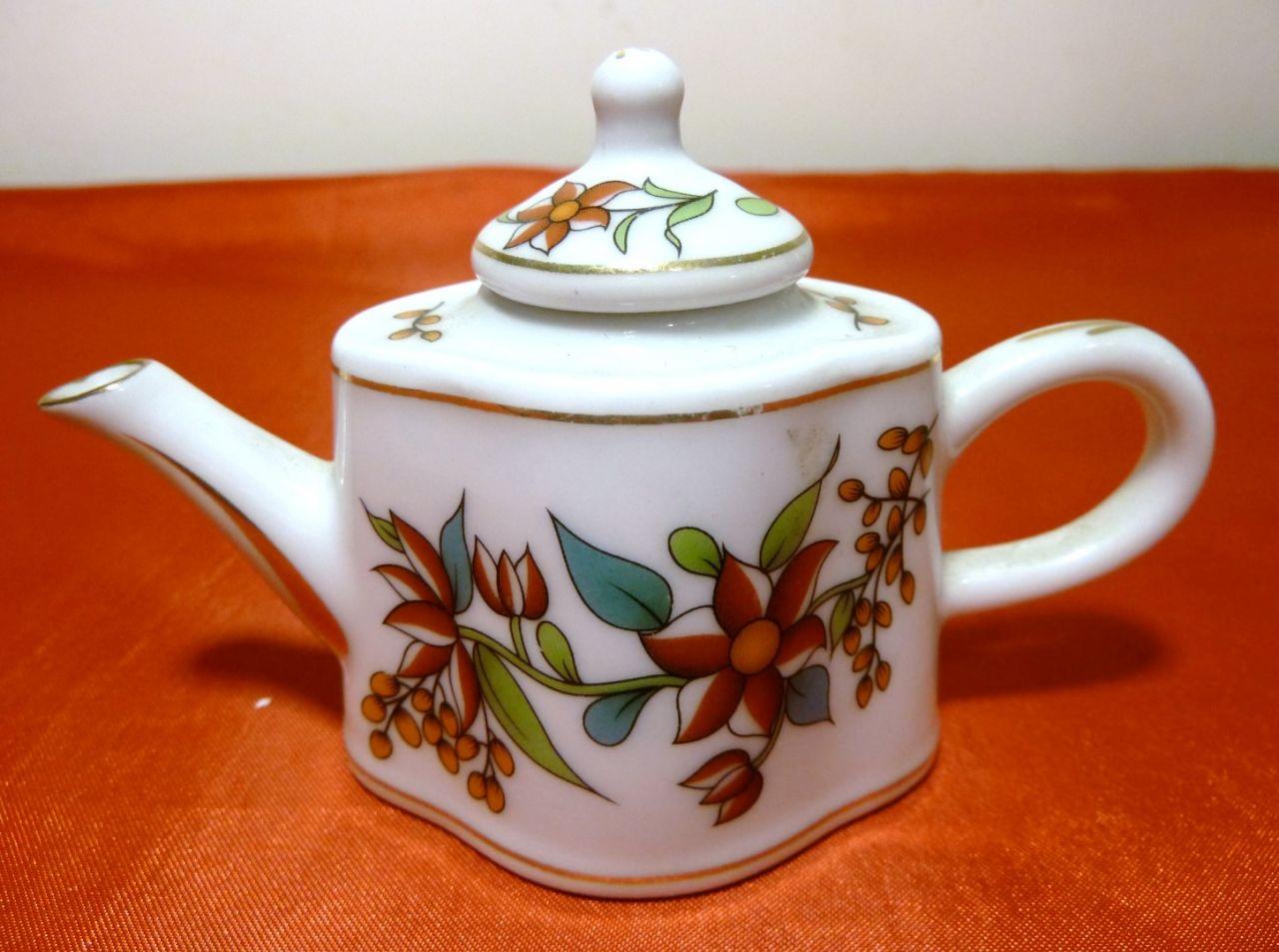 Porselen El Boyama Minyatür çaydanlık Imzalı 7cm Art Porcelain