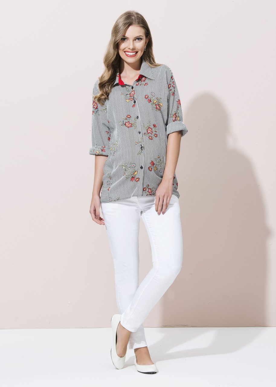 Bluz ve Gömlekler ile 18 Şık Kıyafet Kombini